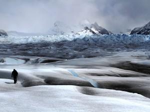 Paysage enneigé et montagneux