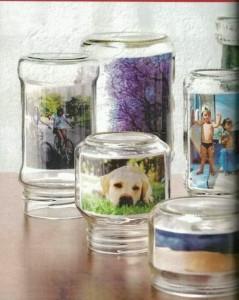 Des photos dans des pots à confiture