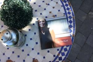 Een fotoalbum met een vierhoekige vorm